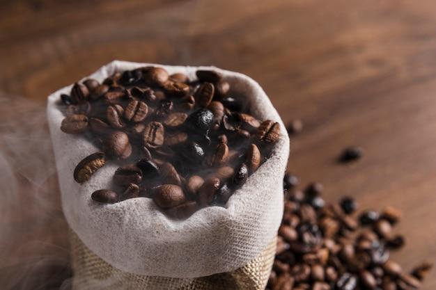 Sack mit kaffeebohnen Kostenlose Fotos