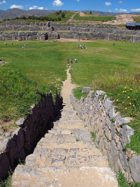 Sacsayhuaman, ruinen der festung in cusco, inka-reich, peru Premium Fotos