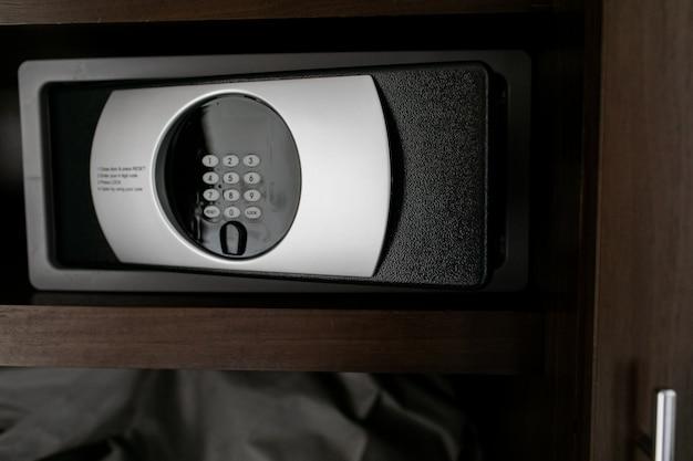 Safe oder modernes elektronisches schließfach Premium Fotos