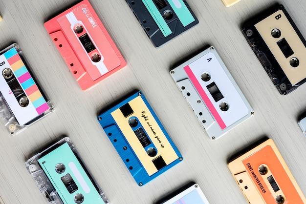 Sammlung von retro-musik-audiokassettenband der 80er jahre Premium Fotos