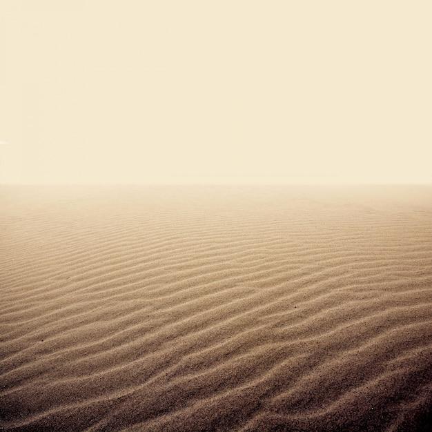 Sand auf der trockenen wüste Kostenlose Fotos