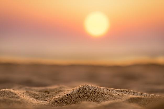 Sanddünen bei sonnenuntergang Premium Fotos