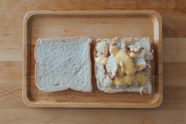 Sandwich-set von hühnchen und käse. Premium Fotos