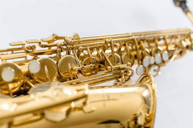 Saxophon befestigt nahaufnahme Premium Fotos