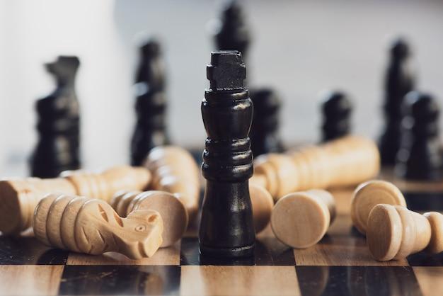 Schachbrettspielkonzept von geschäftsideen und von wettbewerbs- und strategieplanerfolg. Premium Fotos