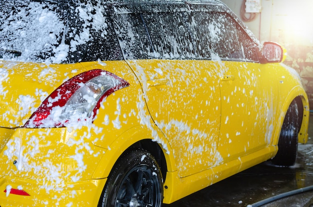 Schaum-autowäsche Premium Fotos