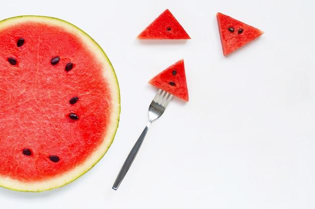 Scheiben der wassermelone getrennt auf weißem hintergrund. Premium Fotos