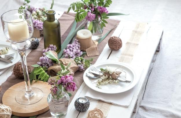 Schön elegant dekorierter tisch für den urlaub Kostenlose Fotos