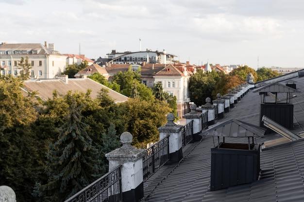 Schöne aussicht auf die stadt vom dach Premium Fotos