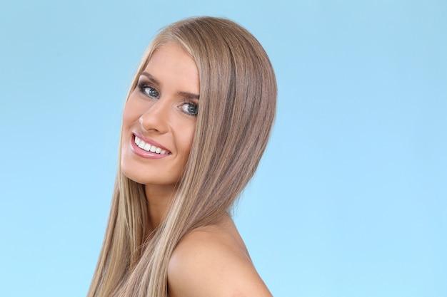 Schöne blonde frau Kostenlose Fotos