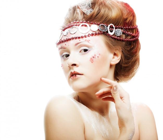Schöne blonde winterschneekönigin Premium Fotos