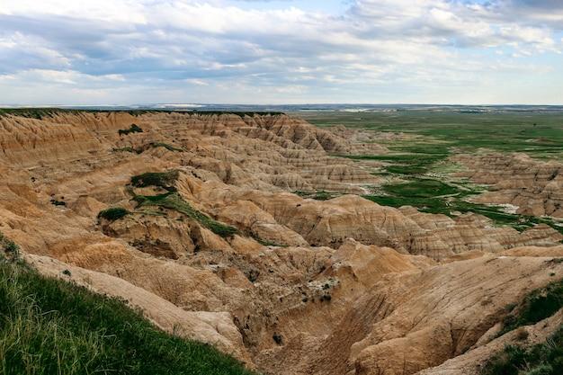 Schöne hohe winkelaufnahme von badlands national park, south dakota, usa Kostenlose Fotos