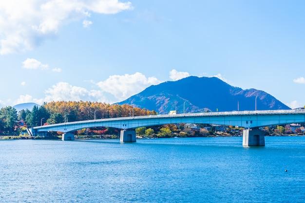 Schöne landschaft um den see kawaguchiko Kostenlose Fotos