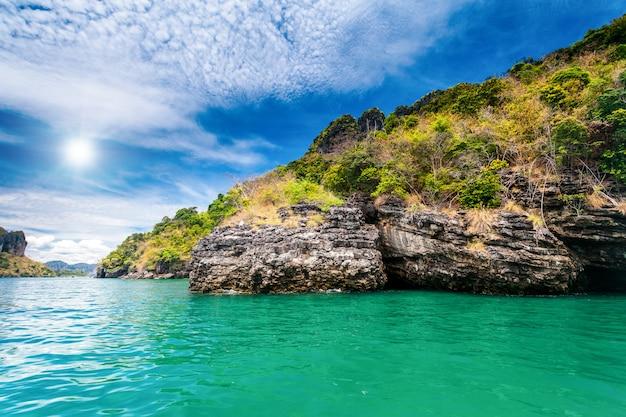 Schöne ozeanlandschaft. Premium Fotos