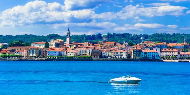 Schöne seen italiens, malerisches dorf arona, lago maggiore Premium Fotos