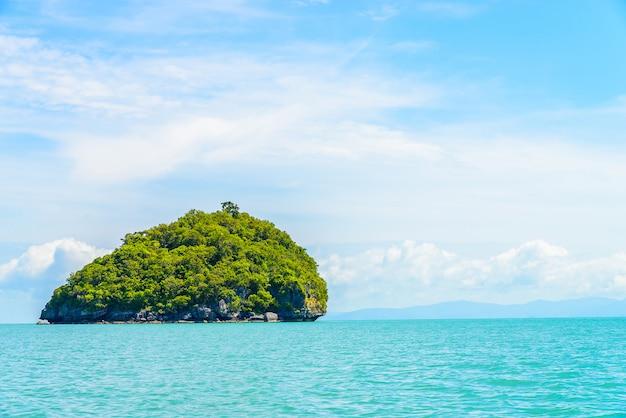 Schöne tropeninsel und meer in thailand Kostenlose Fotos
