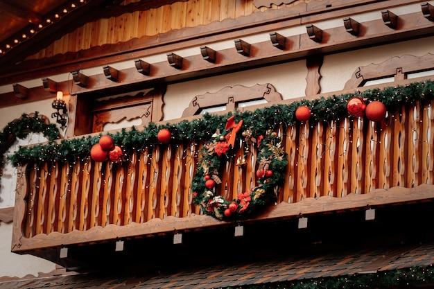 Schöne weihnachtsdekoration in breslau, polen Premium Fotos