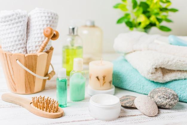 Schöne zusammensetzung für badekurort- oder badkonzept Kostenlose Fotos