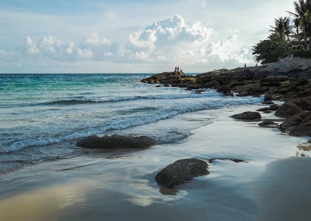 Schönen strand am abend Premium Fotos