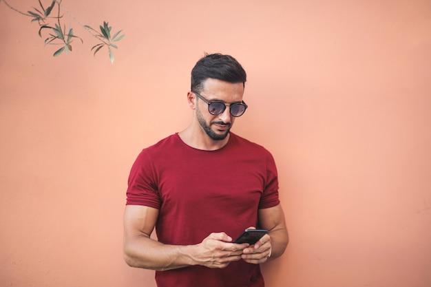 Schöner mann sms Premium Fotos