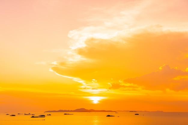 Schöner meerblick bei sonnenuntergang Kostenlose Fotos