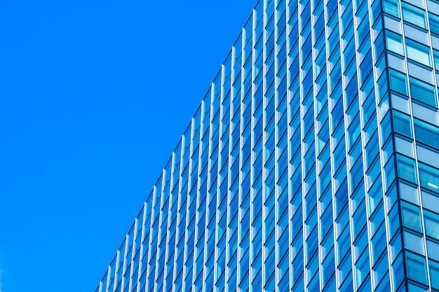 Schönes architekturbürogeschäftsgebäude mit glasfensterform Kostenlose Fotos