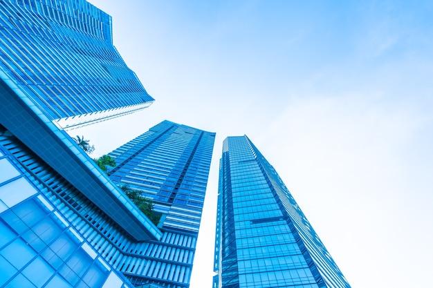 Schönes architekturgeschäftslokal-gebäudeäußeres Premium Fotos