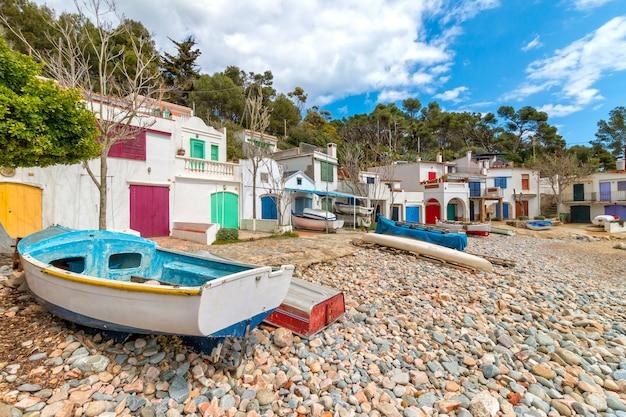 Schönes, ruhiges küstendorf von spanisch Premium Fotos