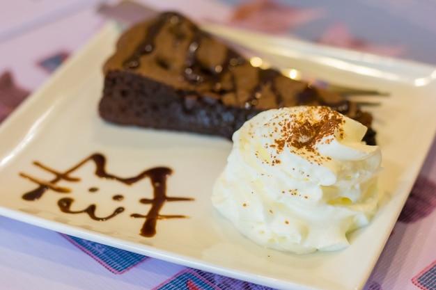 Schokoladen-schokoladenkuchen-kuchen Premium Fotos