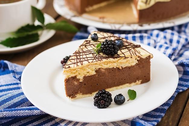 Schokoladenkuchen Vogelmilch Download Der Premium Fotos
