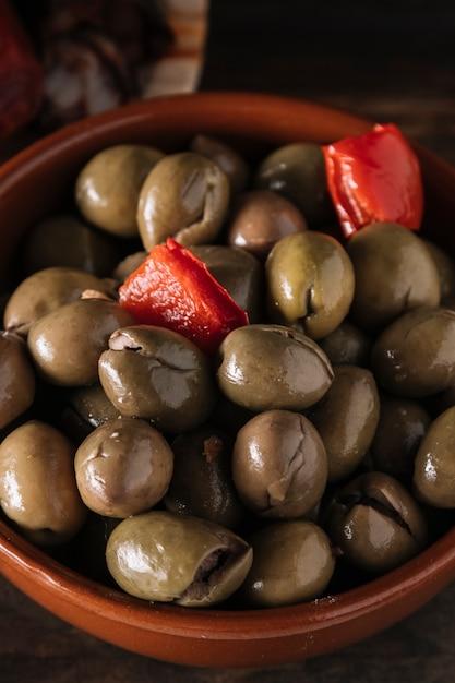 Schüssel eingelegte oliven Kostenlose Fotos