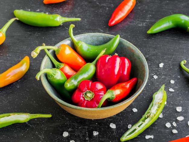 Schüssel süße und peperoni Kostenlose Fotos