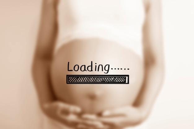 Schwangere frau mit einem