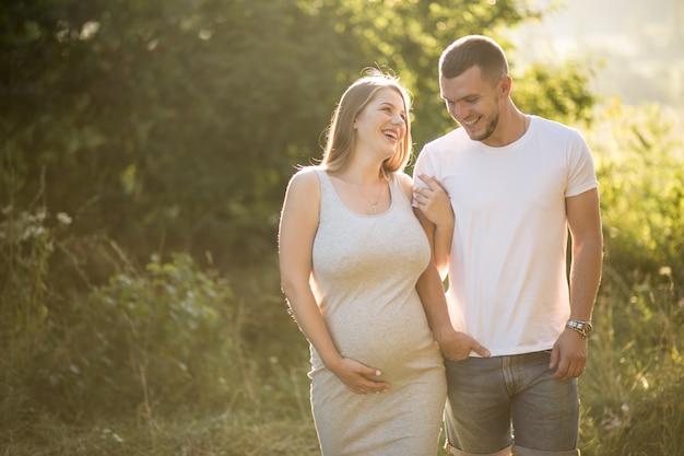 Schwangere Paare Kostenlose Fotos