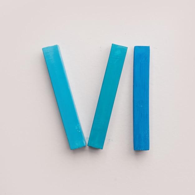 Sechs stücke blaue pastellkreide kreide Kostenlose Fotos