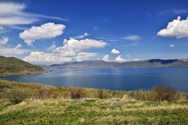 See sevan im kaukasus, armenien Premium Fotos