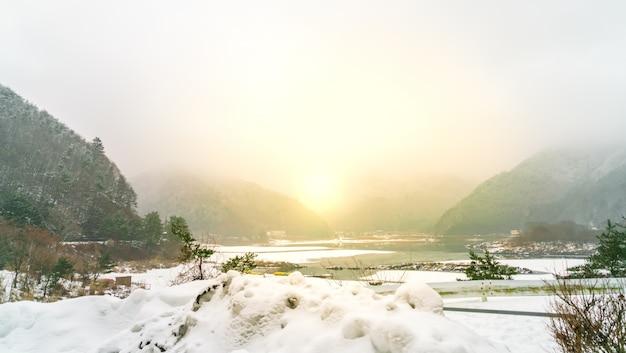 See shoji japan. ansicht der schönen weißen winter Kostenlose Fotos