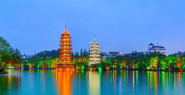 Seen chinesische landschaft schöne blaue hügel Kostenlose Fotos