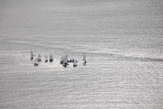 Segelboote im meer Premium Fotos