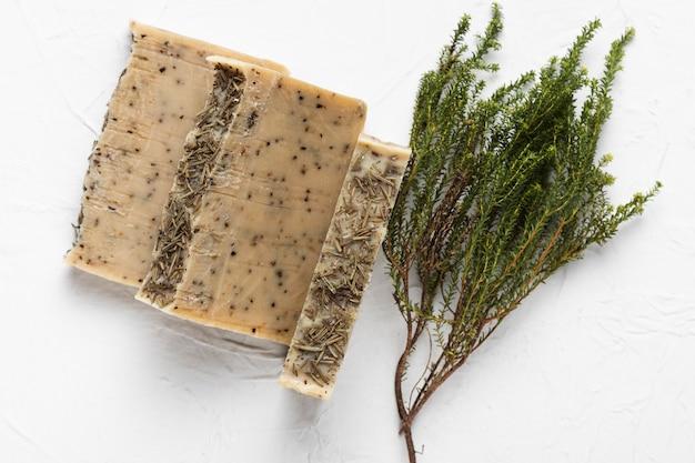 Seife aus natürlichen kräutern im spa Kostenlose Fotos