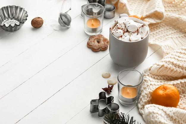 Selbst gemachte bäckerei, lebkuchenplätzchen in form der christbaumnahaufnahme. Kostenlose Fotos