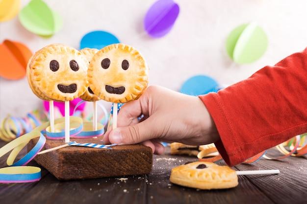 Selbst gemachte keksplätzchen auf stock Premium Fotos