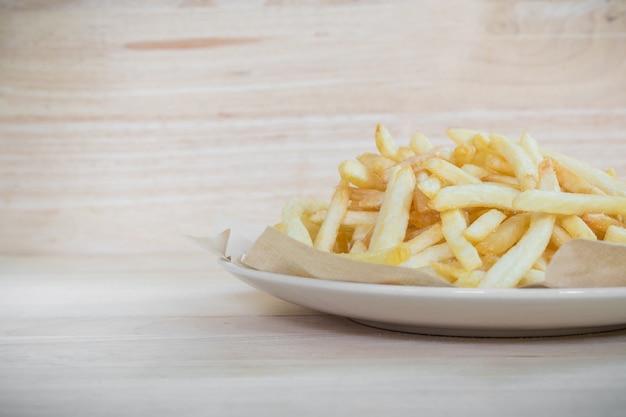 Selbst gemachte pommes-frites-kartoffeln Premium Fotos