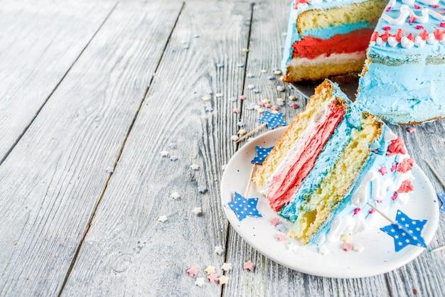 Selbst gemachter amerikanischer unabhängigkeitstagkuchen Premium Fotos