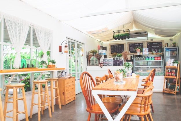 Selbstgemachtes bäckereicafé im vintage und gemütlichen stil. Premium Fotos