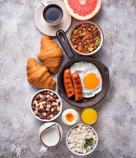 Set des verschiedenen gesunden frühstücks Premium Fotos