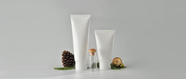 Set kosmetische produkte auf weißem hintergrund. mock-up-sammlung für kosmetikpakete Premium Fotos