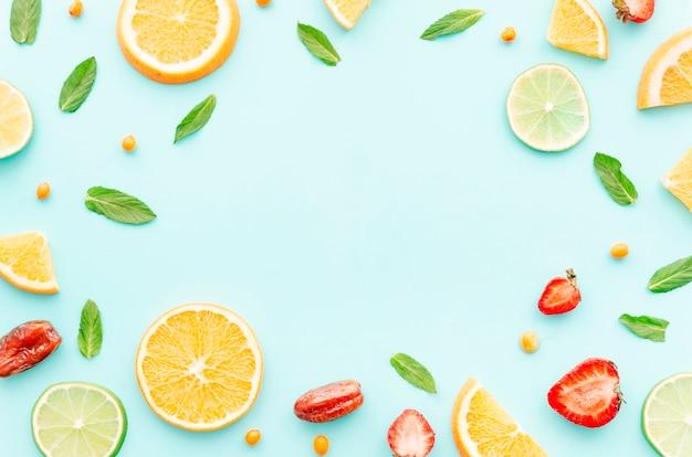 Set von früchten, samen und blättern Kostenlose Fotos