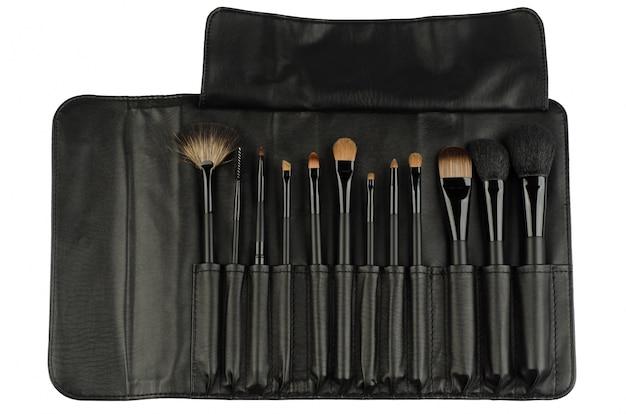 Set von schwarzen make-up pinsel isoliert auf weiß Kostenlose Fotos