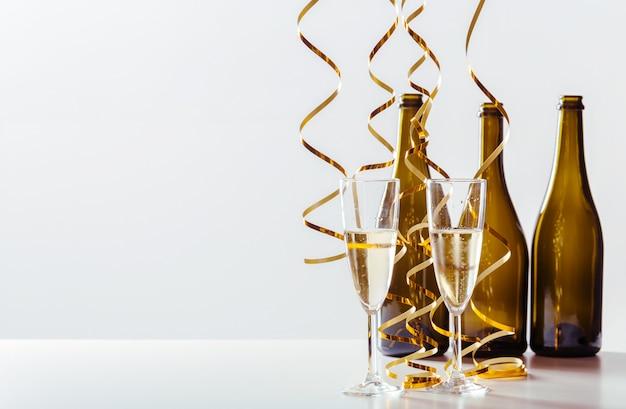 Silvesterfeier mit champagner Premium Fotos